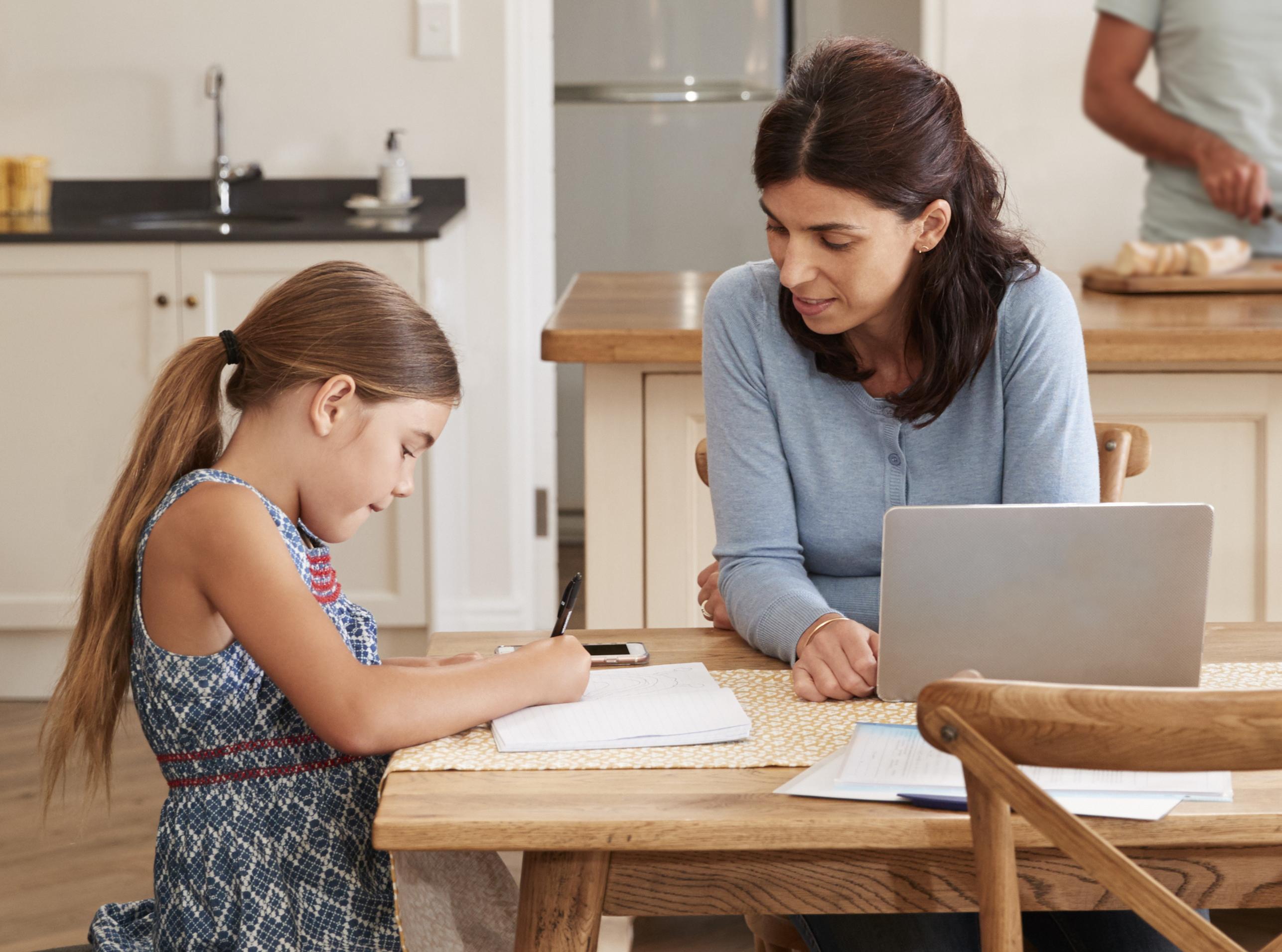 maman aide pour les devoirs